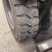 regrooving forklift tyres